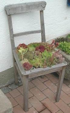 Deko Stuhl Garten - bepflanzter stuhl recycling garten garten ideen und