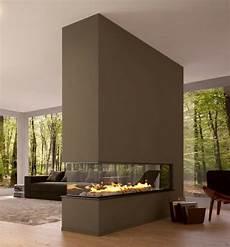 modernes wohnzimmer mit luxus trennwand kamin sehr schick