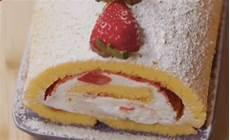 rotolo alle fragole fatto in casa da benedetta la ricetta del rotolo alle fragole di benedetta rossi fatto in casa per voi ultime notizie flash