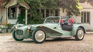 В �ритании выпустят автомобиль Caterham 50 летней давности