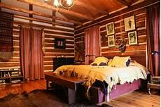 decorative bedroom ideas create stunning rustic trough lodge bedroom ideas atzine