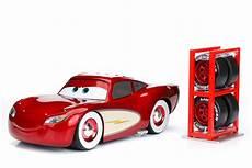 Cars Malvorlagen Lightning Mcqueen 1 24 Lightning Mcqueen Cruising W Tire Rack Cars