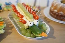 Kindergeburtstag Essen Fingerfood - krokodil fingerfood kindergeburtstag zoo birthday