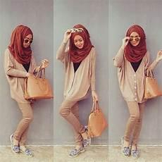 Inilah Gaya Dan Model Jilbab Ala Dini Djoemiko Terbaru 2014