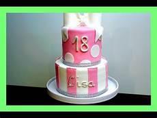 torte zum geburtstag geburtstags fondanttorte in rosa weiss 2 etagen torte