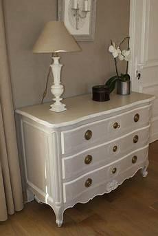 repeindre une commode 81885 repeindre ses meubles une commode arbal 232 te 224 qui la peinture et la patine changent la vie