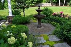 Brunnen Garten Design - garden landscaping design ideas hgtv