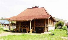 1st Community Mengenal Rumah Adat Lung Nuwouw Sesat