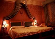 tapete schlafzimmer romantisch beautiful cottage interior design bedroom