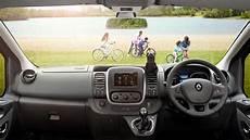 Renault Trafic Automatik - 2017 renault trafic crew goes dual purpose car news