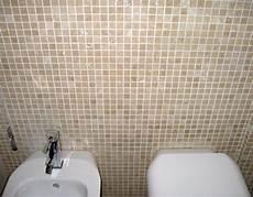 bagni con mosaico bagno con rivestimento in mosaico pavimento a correre in