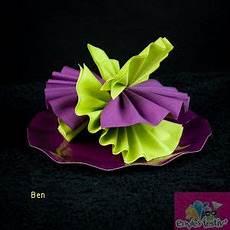 pliage de serviette en papier 2 couleurs fleur excellent
