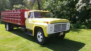 1968 Ford F600  Completely Original And Like New