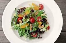 kalorien gemischter salat bunter salat mit schafsk 228 se rezept fit for