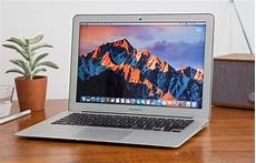 apple macbook air 13 inch 2017 review it s still
