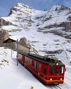 treno a cremagliera svizzera il trenino svizzero dello jungfrau compie cento anni