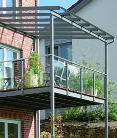 Pergola Metall Glasdach - balkon aus stahl mit glasdach und glasbr 252 stung