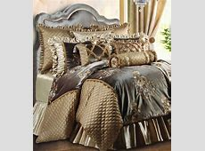 How To Create a Luxury Master Bedroom   Comforters