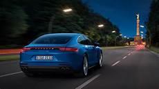der neue porsche panamera der neue porsche panamera luxuslimousine mit sportwagen genen