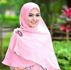 Tips Syar I Untuk Kuliah Agar Terlihat Lebih Cantik