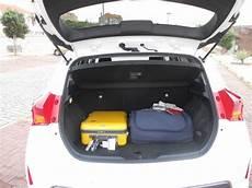 toyota auris kofferraum maße galerie toyota auris hybrid kofferraum bilder und fotos
