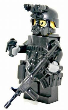 Ausmalbilder Polizei Spezialeinheit Swat Officer M4a1 Rifleman Modern Brick Warfare