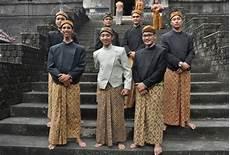 7 pakaian adat jawa sejarah dan penjelasannya