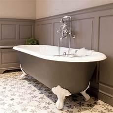 baignoire pied de baignoire sur pied la touche chic de la salle de bains