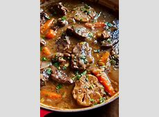 garlicky roast beef with mushrooms and onions_image