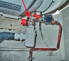 chauffe eau qui coule bricovid 233 o bricolage d 233 pannage plomberie chauffe eau