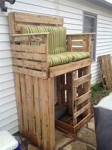 Hundehütte Selber Bauen Paletten - raised pallet bench this is cool could definitely use