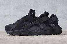 nike air huarache black sneaker bar detroit