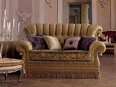 divanetti classici imbottiti divani divani classici ed in stile in stile e