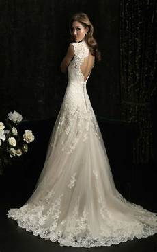 classy vintage lace wedding dresses to inspire you