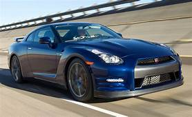 Cars Wallpapers And Pictures Nissan Gtr 2012