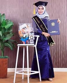 30 Model Kebaya Wisuda Muslim Modern Terbaru
