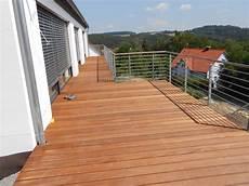 wpc für balkon geeignet terrassen balkone holzbau peichl