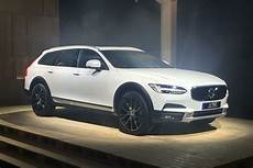 New Volvo V90 Cross Country Revealed Pictures Auto Express