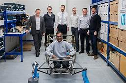Ultra Lightweight Caterham Seven Uses Bicycle Frame