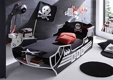 kinderbett pirat pirat kinderbett 90 x 200 cm schwarz wei 223