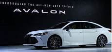 2020 toyota avalon redesign interior release date