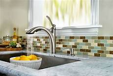 how much does it cost to replace a kitchen faucet