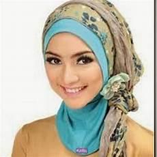 Tips Memadukan Warna Jilbab Lapis Kombinasi Cara Memakai