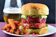 Veggie Burger Rezept - chickpea quinoa beet veggie burger vegan and gluten free