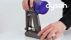 dyson v6 akku wechseln hilfe anleitungen f 252 r den dyson
