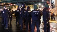 Polizei Berlin Einsätze - so steuert die berliner polizei ihren einsatz beim 1 mai