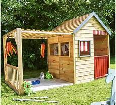 kinderspielhaus mit veranda aus holz gro 223 es spielhaus