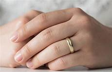how should a wedding ring fit lovetoknow