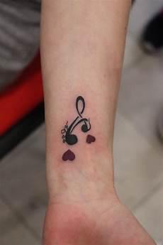 symbole tatouage famille 57031 tatouage signification famille phrases et dessins 224 vous faire tatouer