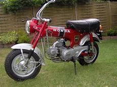 Honda St 50 Dax Kradblatt